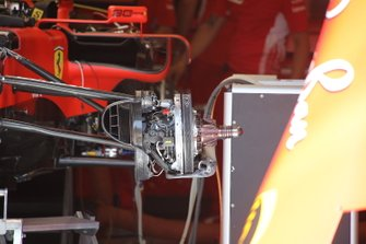 Ferrarri SF90, front suspension