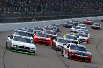 Christopher Bell, Joe Gibbs Racing, Toyota Supra Ruud and Cole Custer, Stewart-Haas Racing, Ford Mustang FIELDS restart