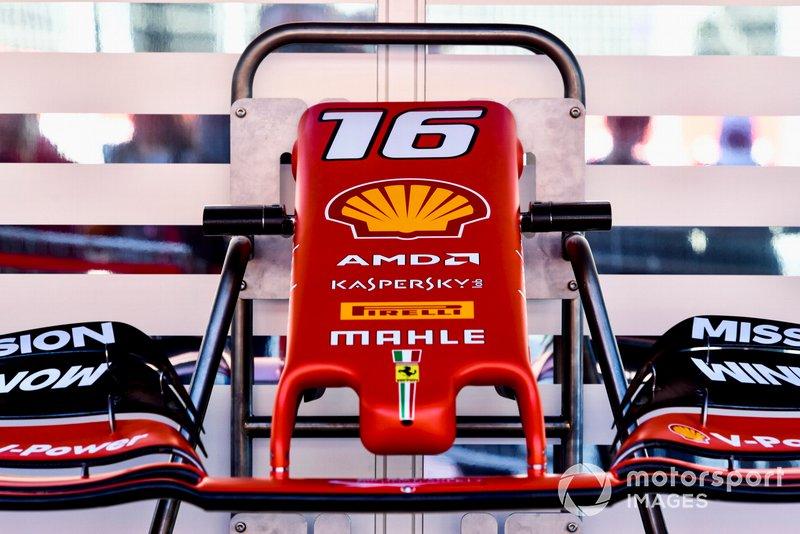 L'ala anteriore di Charles Leclerc, Ferrari SF90