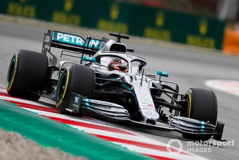 2: Lewis Hamilton, Mercedes AMG F1 W10, 1'16.040