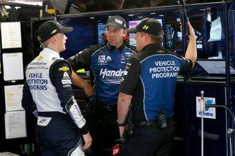 William Byron, Hendrick Motorsports, Chevrolet Camaro Hendrick Autoguard Chad Knaus