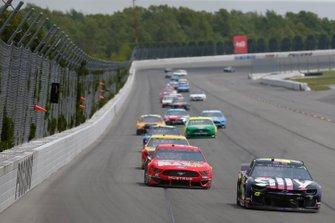 Jimmie Johnson, Hendrick Motorsports, Chevrolet Camaro Ally Daniel Suarez, Stewart-Haas Racing, Ford Mustang Haas Automation