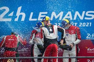 Podio LMGTE Am: ganadores #83 AF Corse Ferrari 488 GTE EVO LMGTE Am, François Perrodo, Nicklas Nielsen, Alessio Rovera