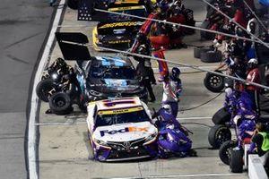 Denny Hamlin, Joe Gibbs Racing, Toyota Camry FedEx Ground and Corey LaJoie, Spire Motorsports, Chevrolet Camaro Shavelogic