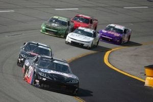 Mason Massey, B.J. McLeod Motorsports, Chevrolet Camaro Gerber Collision & Glass