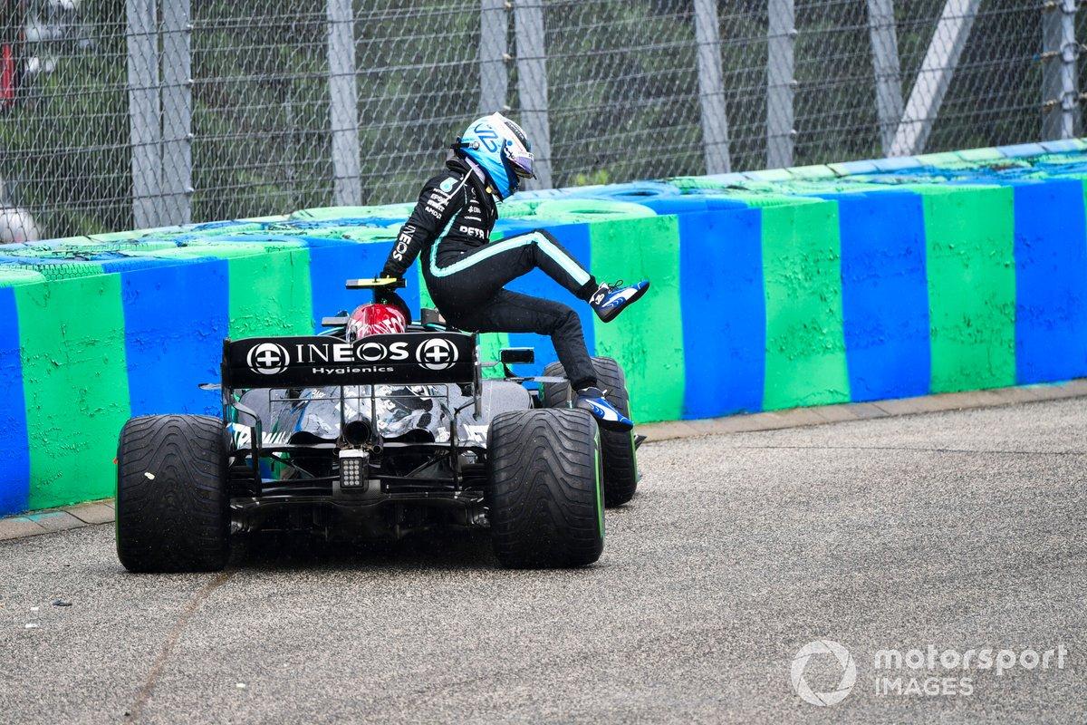 Valtteri Bottas, Mercedes, scende dalla sua auto