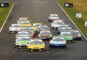 Largada da Porsche Carrera Cup em Goiânia