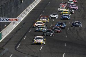 Sheldon van der Linde, ROWE Racing BMW M6 GT3 leads at the start