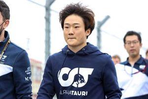 Yuki Tsunoda, AlphaTauri loopt over het circuit
