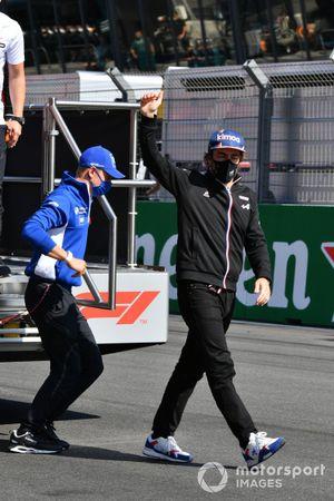Mick Schumacher, Haas VF-21 Fernando Alonso, Alpine A521 Driver's parade