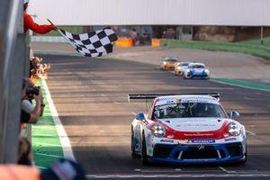 Leonardo Caglioni, Ombra Racing vince Gara 1