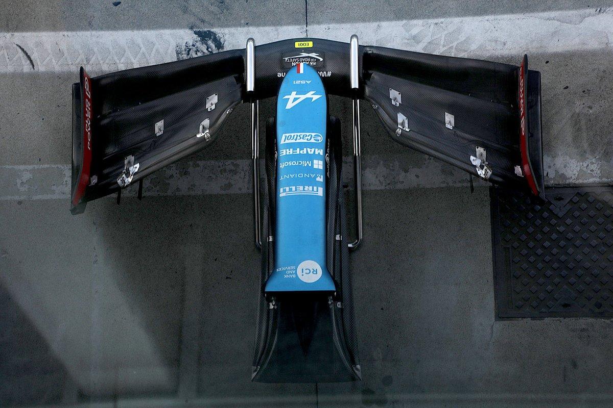 Alpine A521: Nase mit Frontflügel