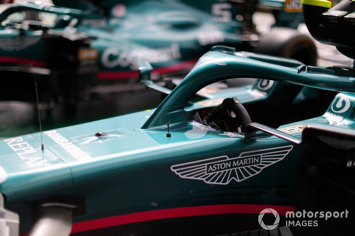 La cabina y el Halo del Aston Martin AMR21