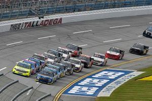 Todd Gilliland, Front Row Motorsports, Ford F-150 Speedco, Grant Enfinger, ThorSport Racing, Toyota Tundra Champion/Curb Records, Matt Crafton, ThorSport Racing, Toyota Tundra Zep/Menards