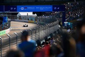 Norman Nato, Venturi Racing, Silver Arrow 02, krijgt de geblokte vlag