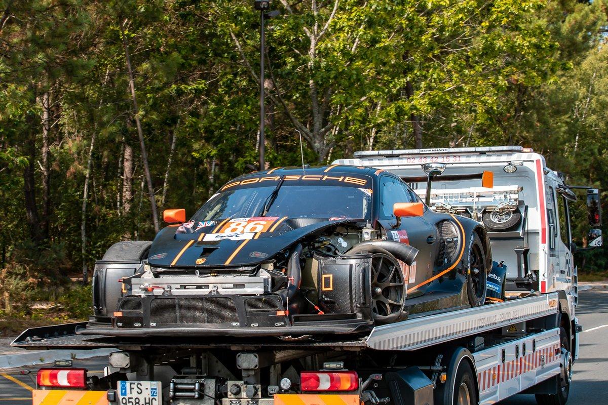 #86 GR Racing Porsche 911 RSR - 19 LMGTE Am, Michael Wainwright, Benjamin Barker, Tom Gamble, after the crash