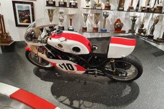 Yamaha TZ 750