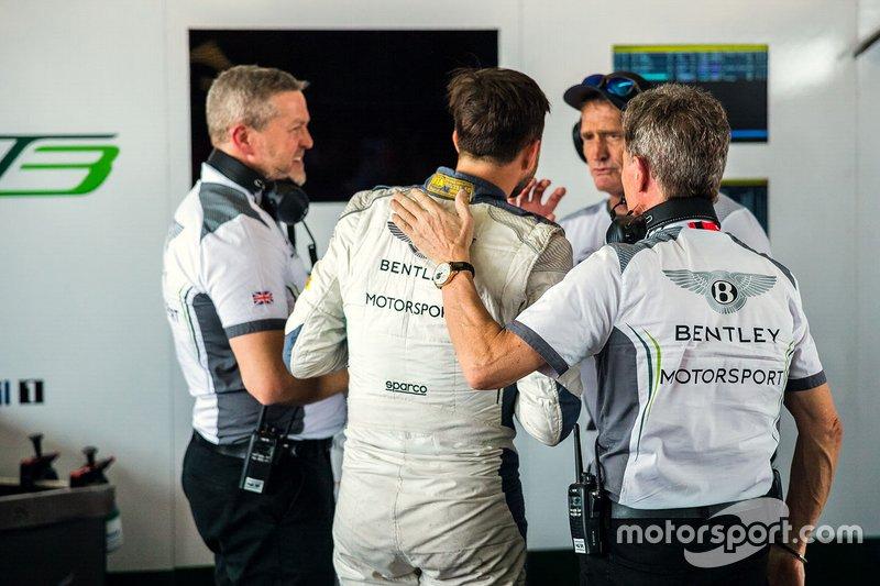 Bentley Team M-Sport garage atmosphere
