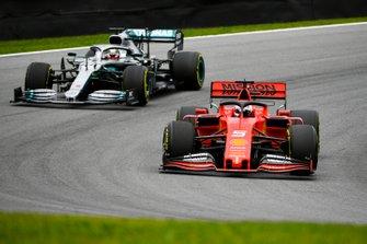 Sebastian Vettel, Ferrari SF90 et Lewis Hamilton, Mercedes AMG F1 W10