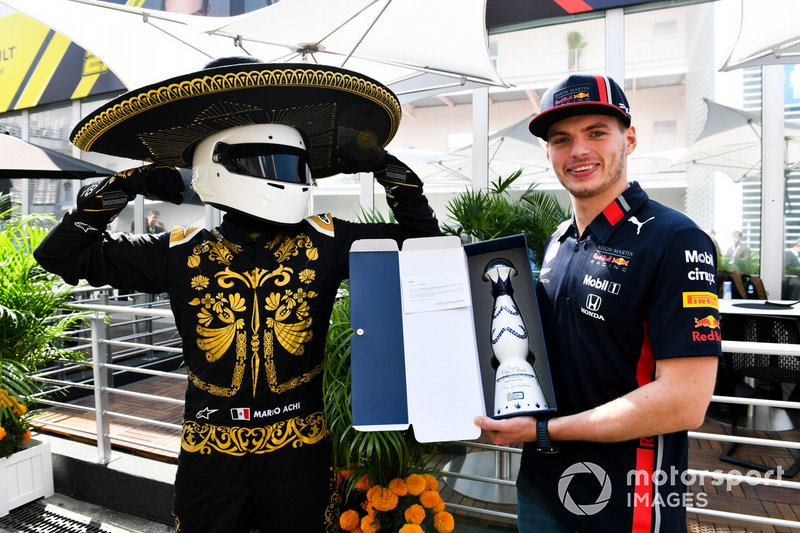 Mario Achi, Mexican GP Promoter presents Max Verstappen, Red Bull Racing with a bottle of Tequila