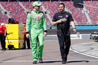 Erik Jones, Joe Gibbs Racing, Toyota Camry Interstate Batteries and crew chief Chris Gayle