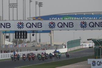 Start zum Moto3-Rennen 2020 in Doha