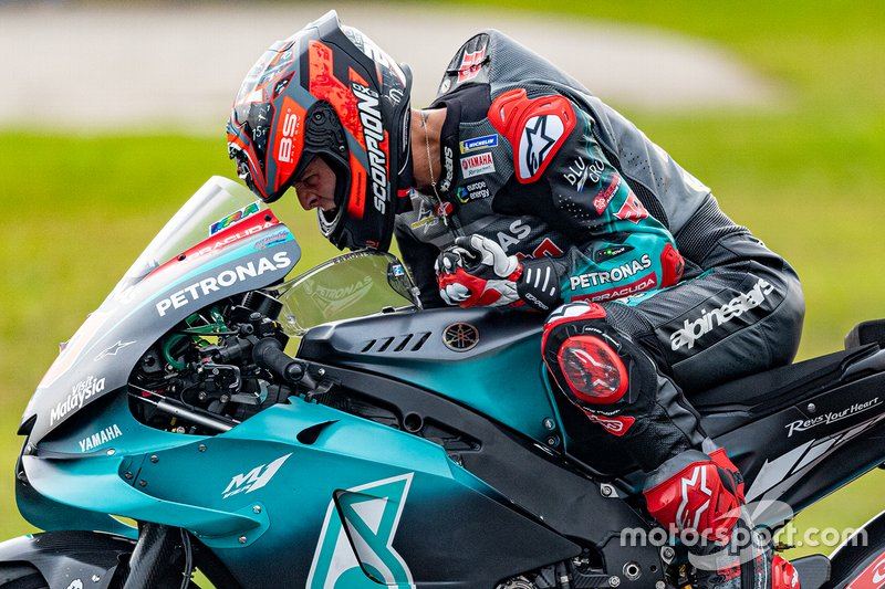 Fabio Quartararo, Petronas Yamaha SRT festeggia la pole position in posa per la telecamera on-board