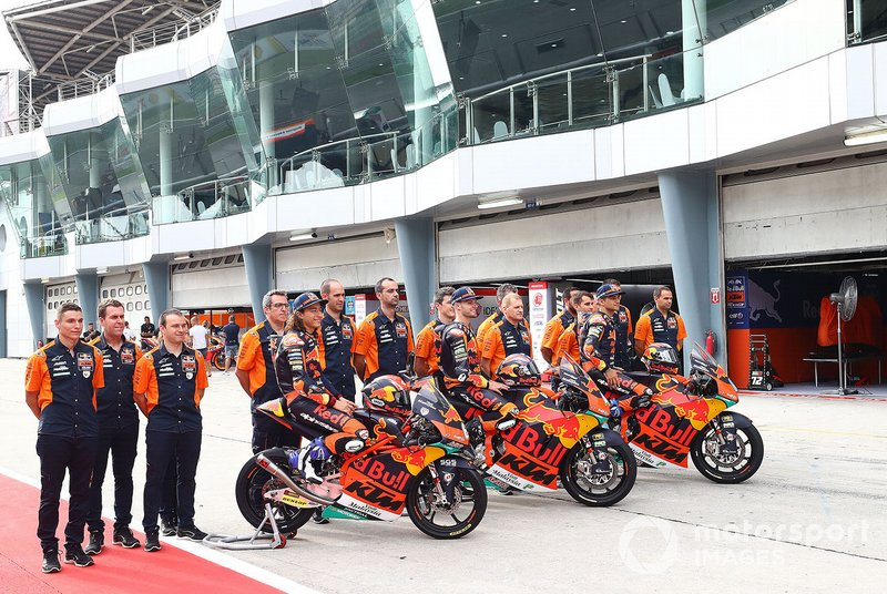 Ajo KTM team group photo