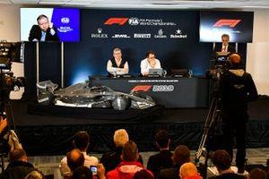 F1-reglementen voor 2021 worden aangekondigd. Jean Todt, President, FIA, Ross Brawn, Managing Director of Motorsports, FOM, Nikolas Tombazis en Chase Carey, voorzitter Formule 1