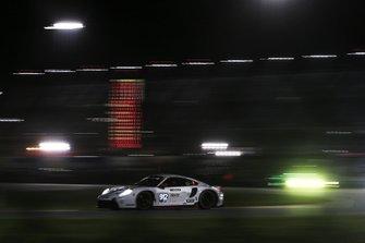 #912 Porsche GT Team Porsche 911 RSR: Earl Bamber, Laurens Vanthoor, Mathieu Jamine