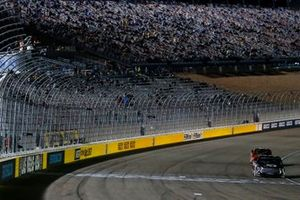 Kyle Busch, Kyle Busch Motorsports, Toyota Tundra Cessna drives under the checkered flag to win