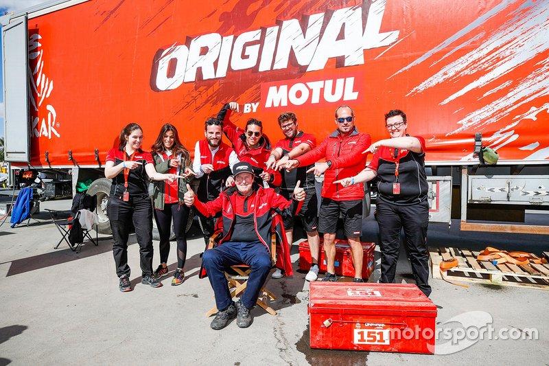 Hubert Auriol e il team Motul