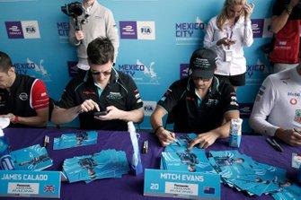 James Calado, Jaguar Racing, Mitch Evans, Jaguar Racing signs autographs