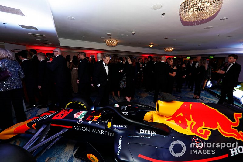 Invitados con el Red Bull Racing RB15