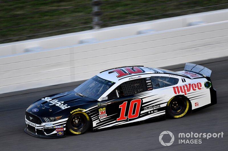 Aric Almirola, Stewart-Haas Racing, Ford Mustang Smithfield / Hy-Vee
