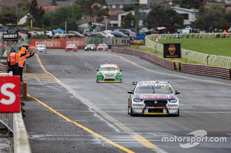 Winners Jamie Whincup, Craig Lowndes, Triple Eight Race Engineering Holden