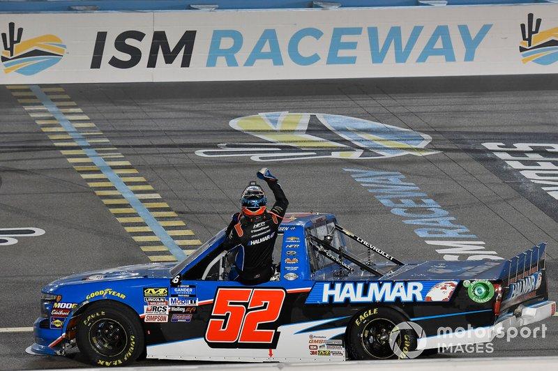 Race Winner Stewart Friesen, Halmar Friesen Racing, Chevrolet Silverado Halmar International