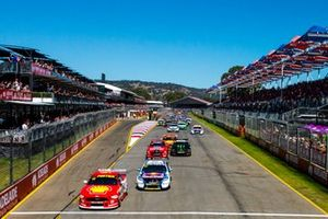 Scott McLaughlin, DJR Team Penske Ford leads
