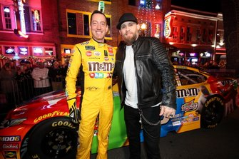Kyle Busch y Brantley Gilbert