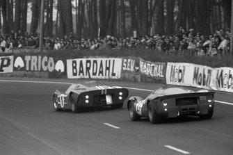 Dan Gurney, A.J. Foyt, Shelby American, Ludovico Scarfiotti, Mike Parkes, Scuderia Ferrari