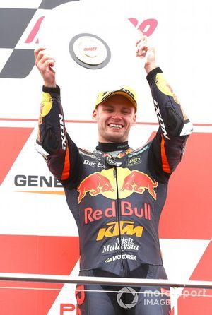 Podio: segundo lugar Brad Binder, KTM Ajo