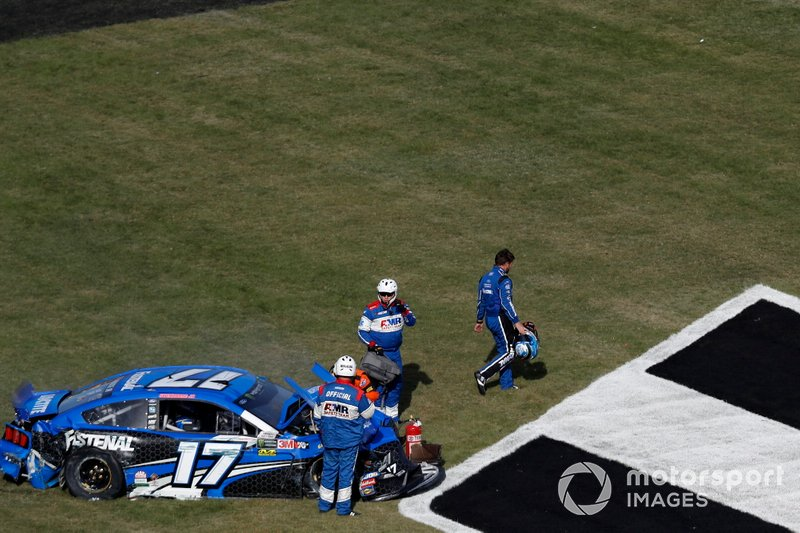 Ricky Stenhouse Jr., Roush Fenway Racing, Ford Mustang Fastenal, crash
