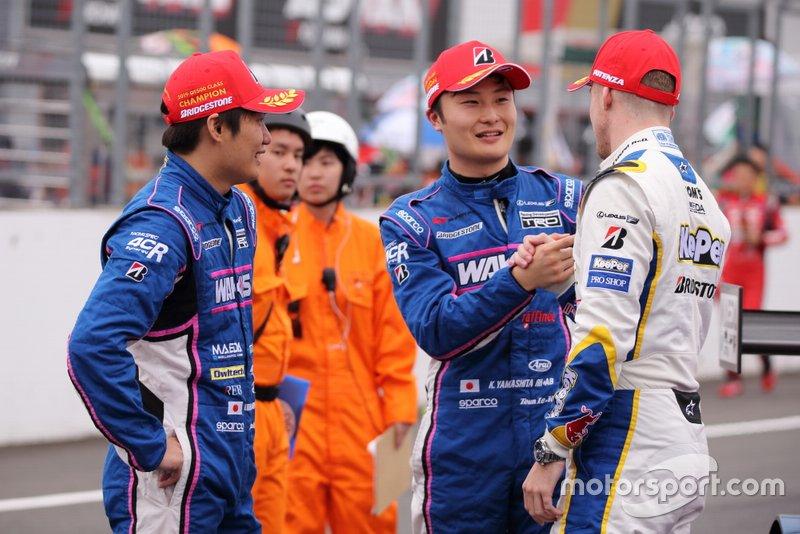 大嶋和也と山下健太、ニック・キャシディ