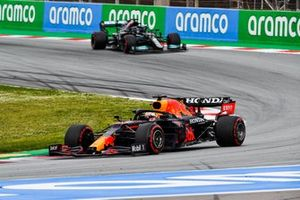 Max Verstappen, Red Bull Racing RB16B, Lewis Hamilton, Mercedes W12