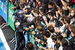 Lewis Hamilton, Mercedes, 1st position, celebrates with his team on arrival in Parc Ferme