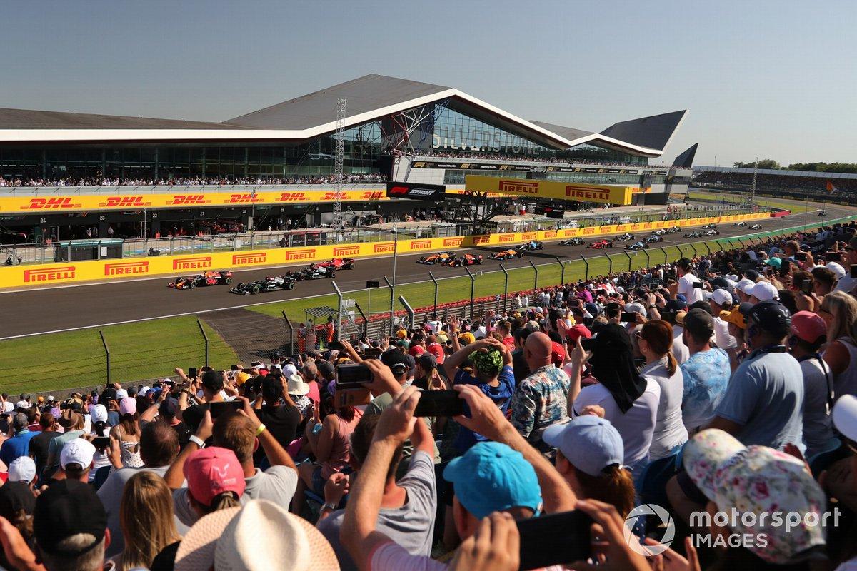 Inicio de la carrera Sprint, Max Verstappen, Red Bull Racing RB16B, Lewis Hamilton, Mercedes W12, Valtteri Bottas, Mercedes W12, Charles Leclerc, Ferrari SF21