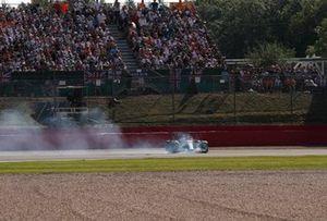 Kimi Raikkonen, Alfa Romeo Racing C41, fait un tête à queue