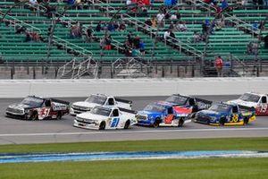 Kyle Busch, Kyle Busch Motorsports, Toyota Tundra Cessna and Zane Smith, GMS Racing, Chevrolet Silverado
