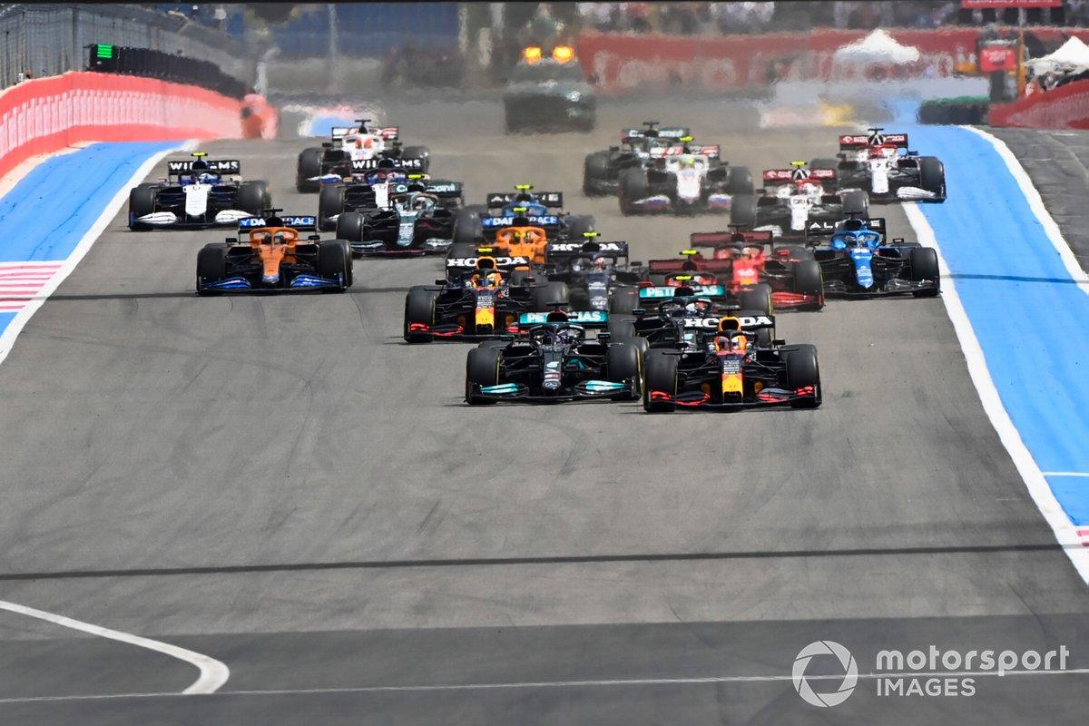 Max Verstappen, Red Bull Racing RB16B, Lewis Hamilton, Mercedes W12, Valtteri Bottas, Mercedes W12, Sergio Perez, Red Bull Racing RB16B,Carlos Sainz Jr., Ferrari SF21