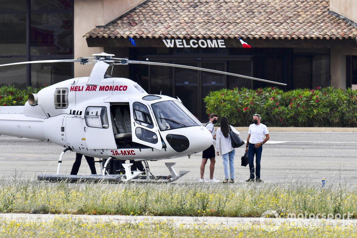 Max Verstappen, Red Bull Racing llega en helicóptero